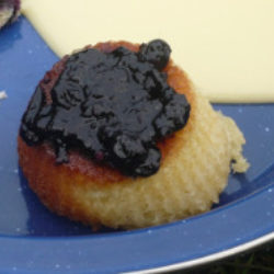 bun with bilberry jame