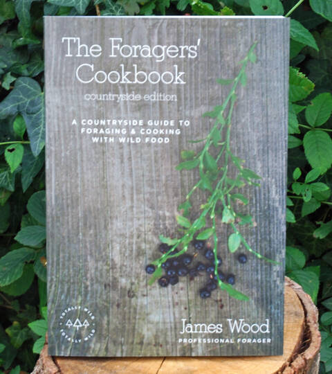 The Foragers' Cookbook - James Wood