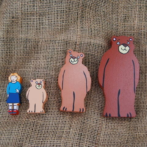 Goldilocks and the Three Bears Wooden Character Set